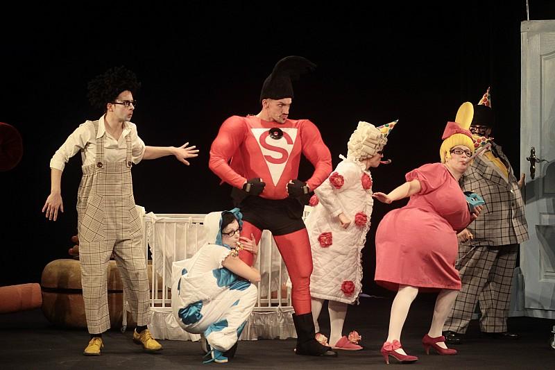 Familijna pantomima