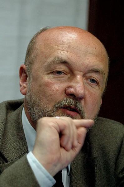 Maturzyści pozwali europosła do sądu