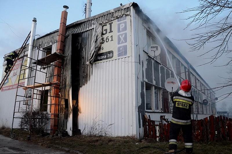 Pożar  przy ulicy Uczniowskiej - zdjęcia