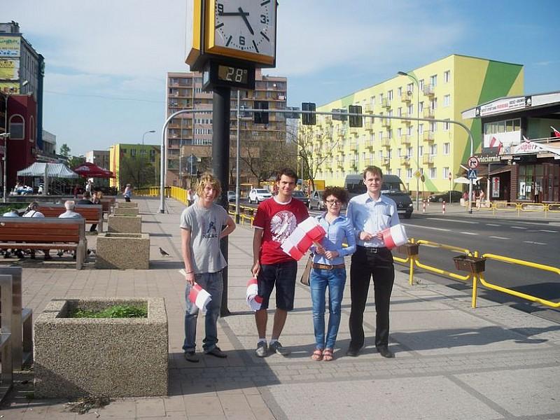 Rozdawali flagi Polski